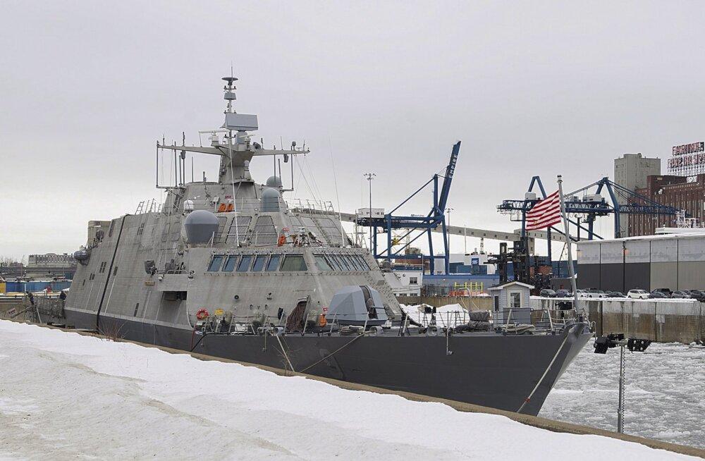 Ootab kevadet: ameeriklaste uusim sõjalaev jäi ootamatult kuudeks jäävangi