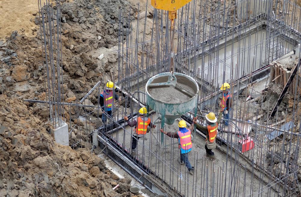 Ehituses tööõnnetuste arv vähenes - möödunud aastal juhtus 407 õnnetust