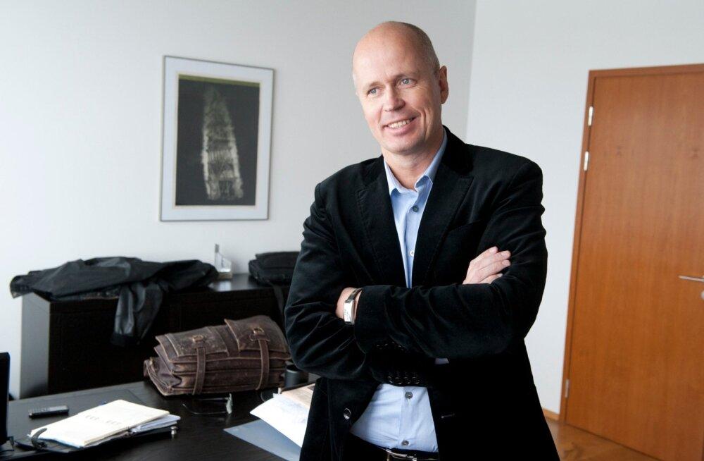 AIVAR TUULBERG- TALLINNA OLÜMPIAPURJESPORDIKESKUSE NÕUK. ESIMEES