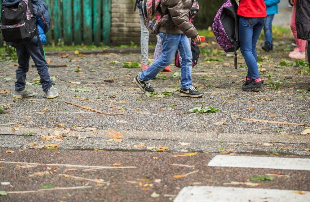 Kool peaks lastelt ikka üht-teist nõudma, see ei tohiks olla hea äraoleku koht.