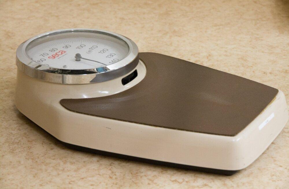Ежедневное взвешивание помогает похудеть