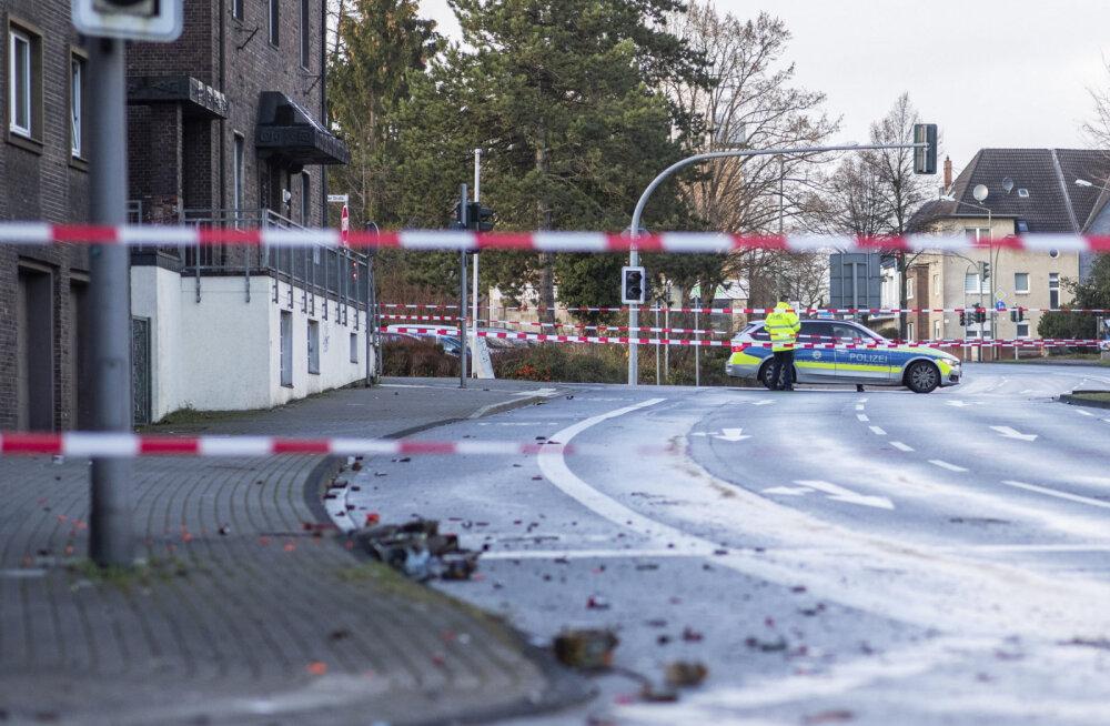 Saksamaal sõitis pagulasi vihkav mees autoga rahva sekka