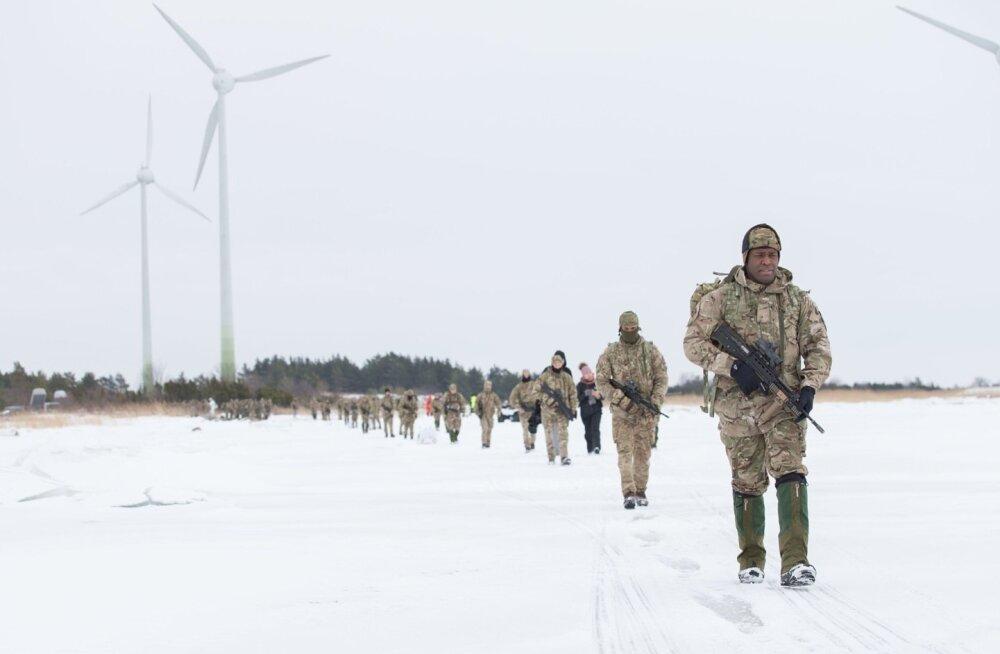 Liitlassõdurid rändasid jalgsi üle jää Muhumaale