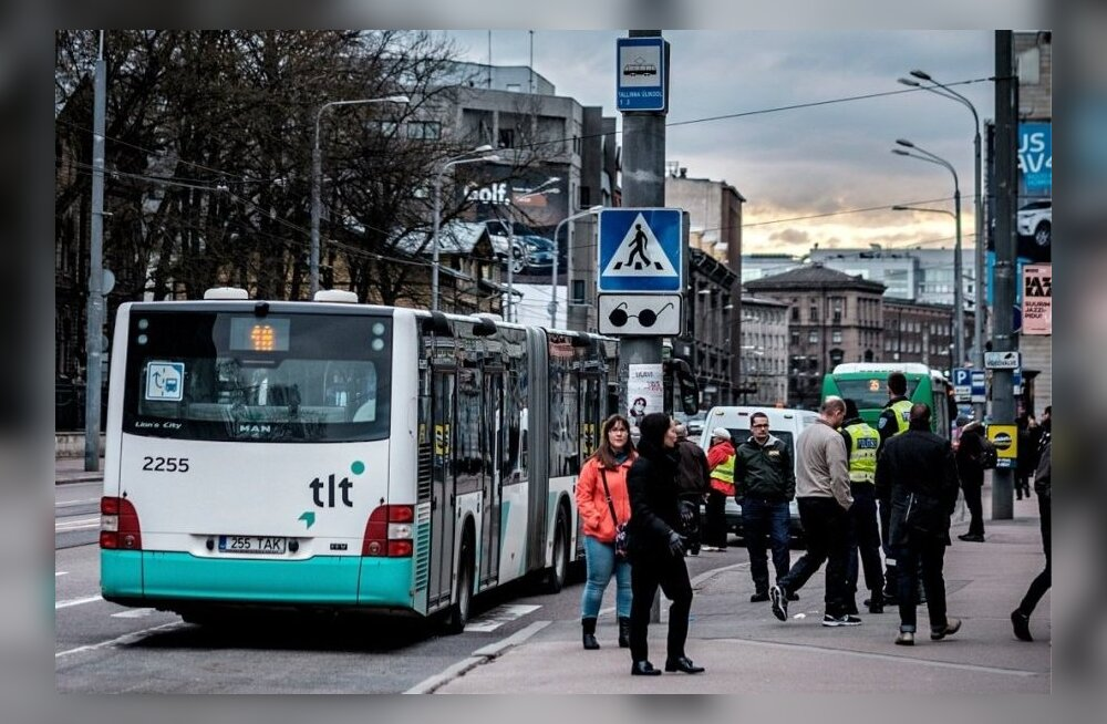 30 января в таллиннском автобусе мужчина избил двух нигерийцев. Как суд наказал его?