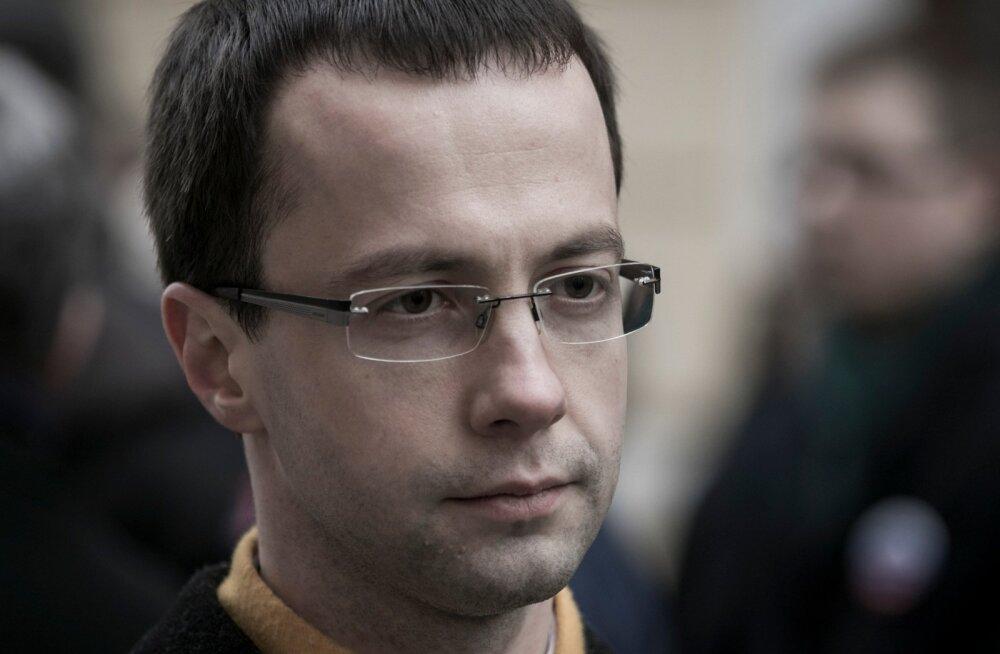 Криштафович инициировал петицию, чтобы гимназии не могли предотвратить переход на обучение на эстонском