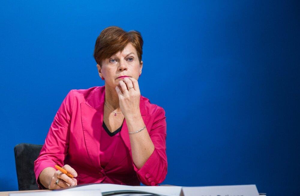 """""""Praeguse valitsuse kehtestatud maksupakett mõjub laastavalt kõigi toodete ja teenuste lõpphindadele,"""" lausus Eesti toiduainetööstuse liidu juhataja Sirje Potisepp."""
