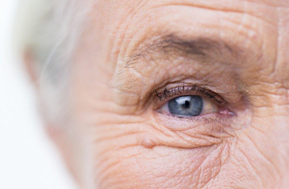 Dementsuse süvenedes võib tunduda, et ka senine ühine elu ja mälestused kirjutatakse ümber
