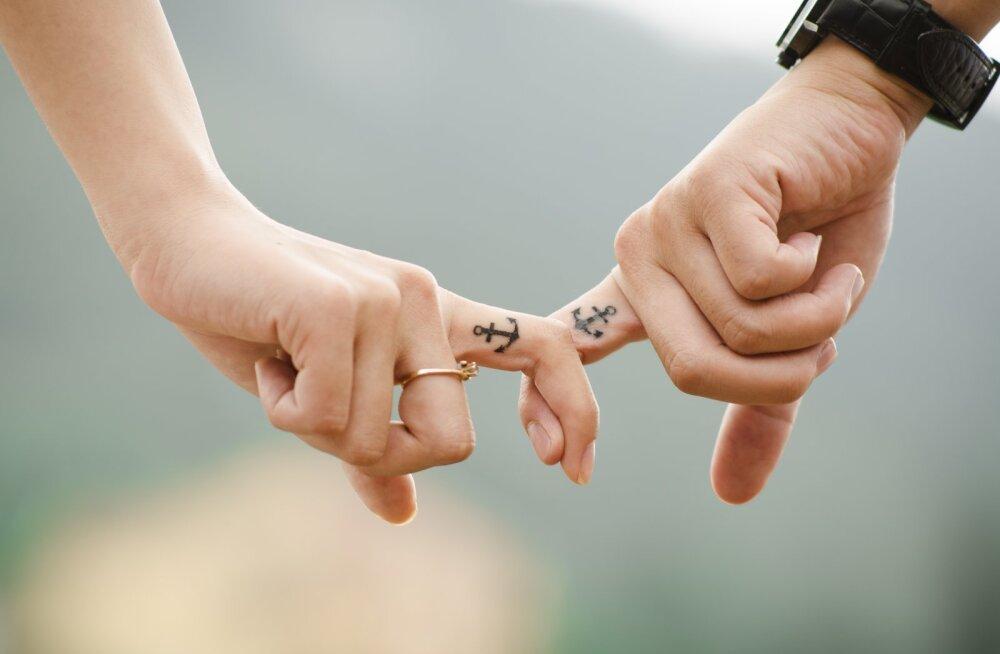 8 LIHTSAT VIISI, kuidas muuta suhet lähedasemaks