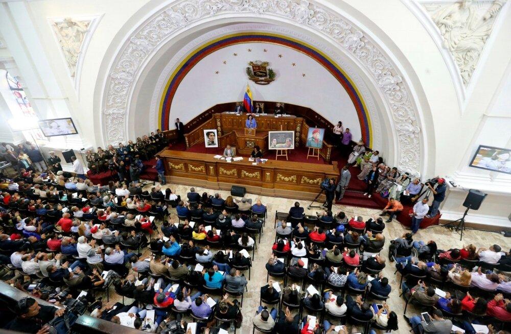 Venezuela uus presidendimeelne põhiseaduslik kogu kuulutas end ülimuslikuks