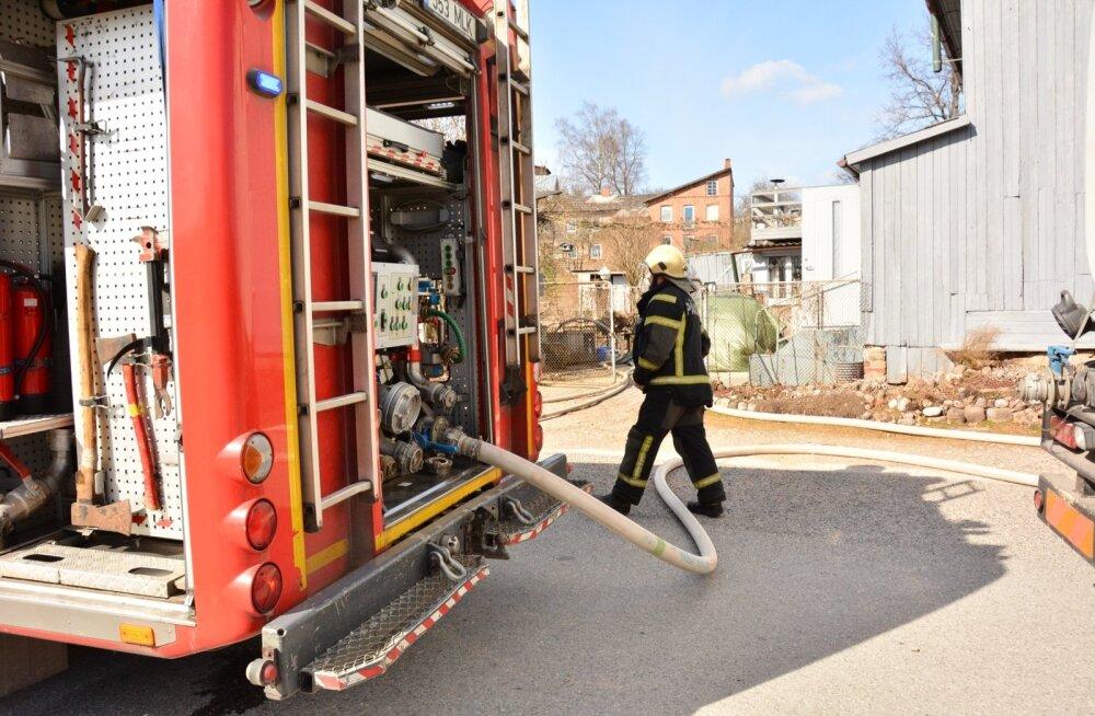 Tulekahju Viljandis Järve tänaval