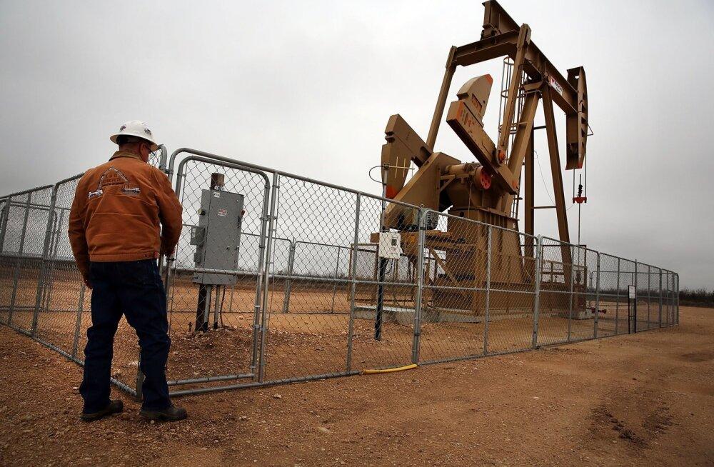 Mida rohkem OPEC tootmist kärbib, seda suurema hooga töötavad USA maardlates kildanafta pumbad.