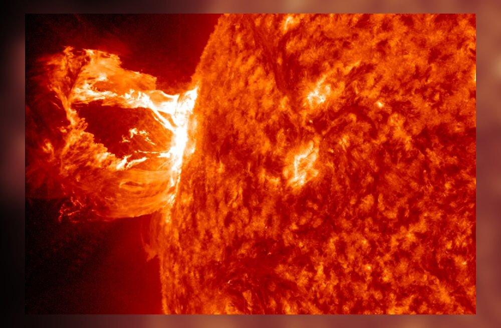 M1.7-klassi päikeseloide 2012. aastast.