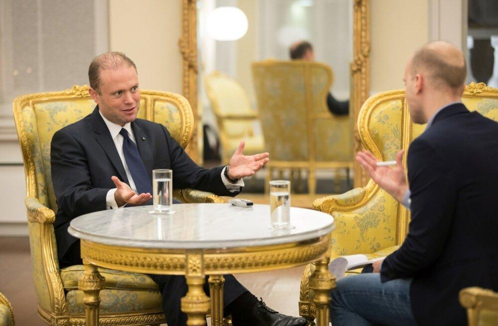 Malta peaminister Joseph Muscat ütleb intervjuus, et Eesti on rändekriisis mõistlikult käitunud, ent saareriigi elanikud tunnevad end põgenikeprobleemiga üksi jäetuna.