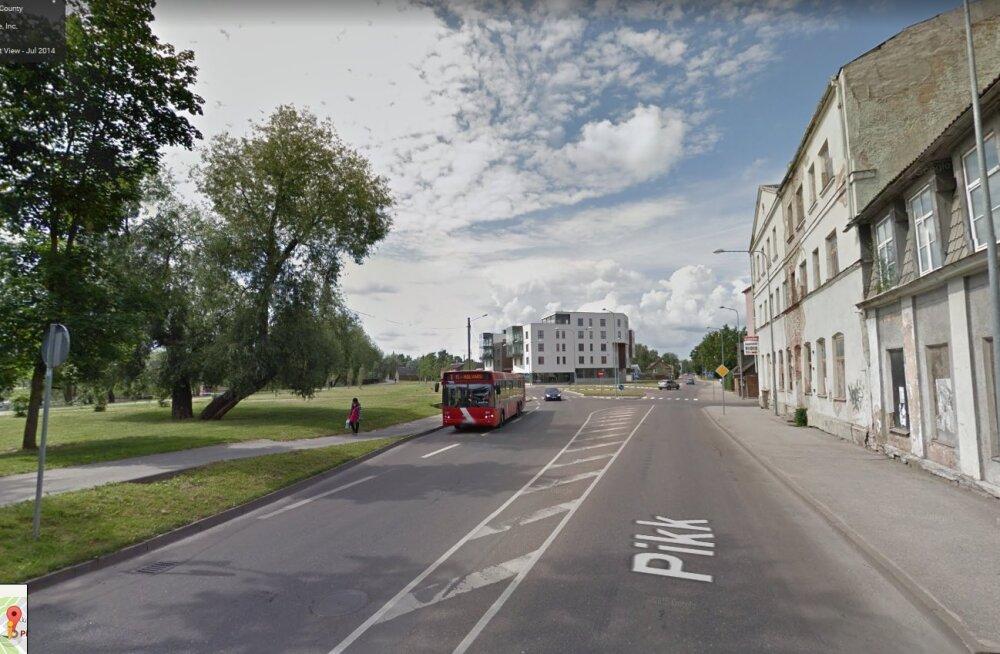 Liikluses sai viga neli inimest; vahele jäi 14 joobes juhti