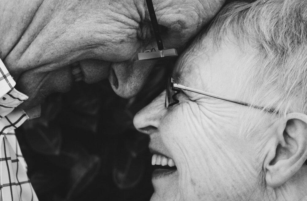 Tahad oma kallimasse uuesti ära armuda? Küsige teineteiselt neid 36 küsimust ja teie suhe võib saada uue võimaluse