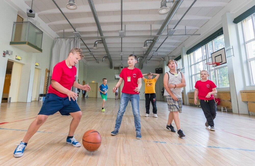 XII noorte laulu- ja tantsupeo ööbimiskoht Rahumäe koolis