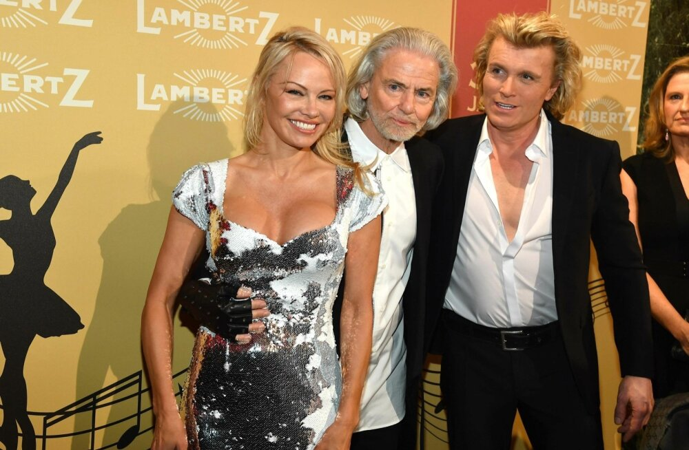 Pamela Anderson otsustas uutele jahimaadele edasi liikuda.