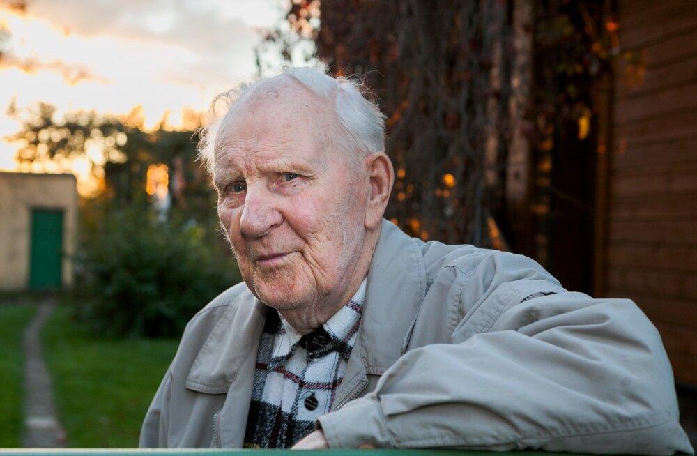 Äsja 90. sünnipäeva tähistanud Viktor Meister on tark ja muheda jutuga mees.