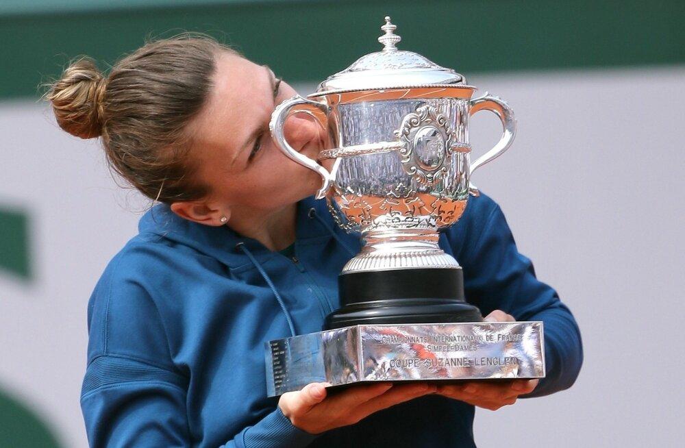 Simona Halep ja ihaldatud trofee