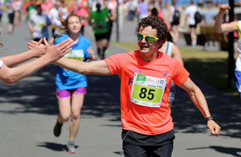 Спортсмен-любитель пробежит 100 км вокруг Таллинна в поддержку детей с ограниченными возможностями из Нарва-Йыэсуу