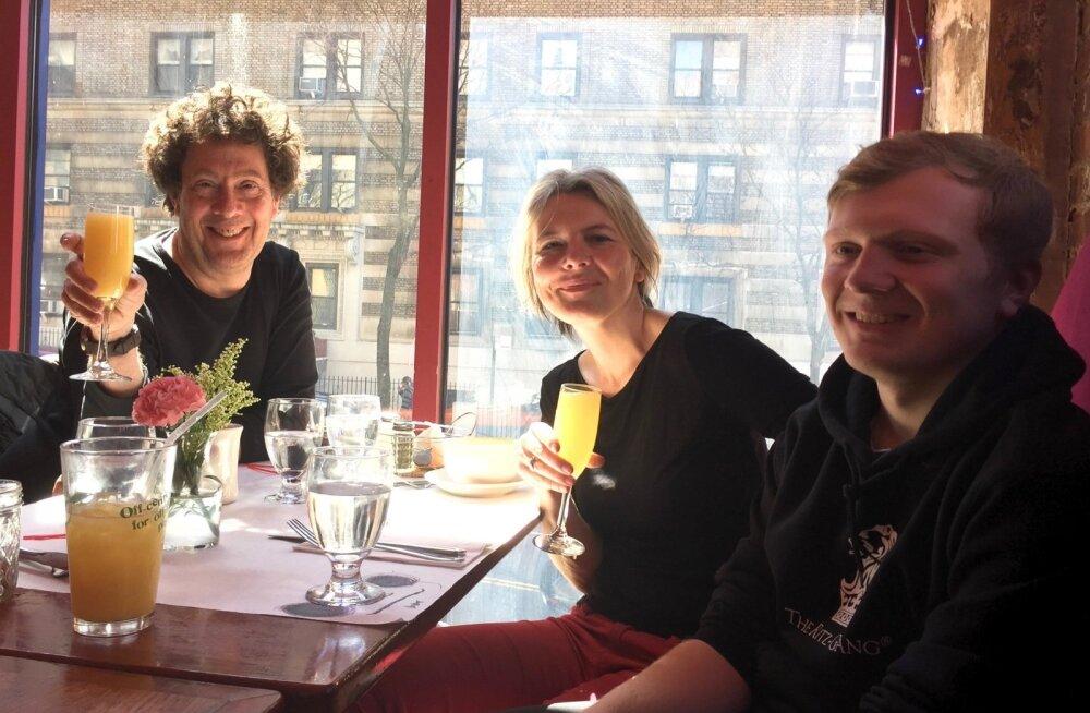 David, Jaanika ja nende poeg Jaan Umru 1. aprillil 2017 Manhattanil. Tähistatakse poja 18. sünnipäeva.