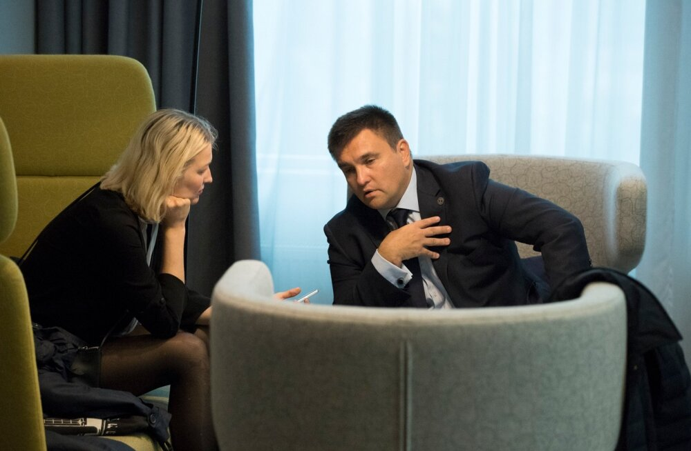 Ukraina välisminister Pavlo Klimkin kinnitab usutluses, et Vene presidendi Vladimir Putini ettepanek Ukrainasse ÜRO rahuvalvajad saata on venelastele iseloomulik vassimine.