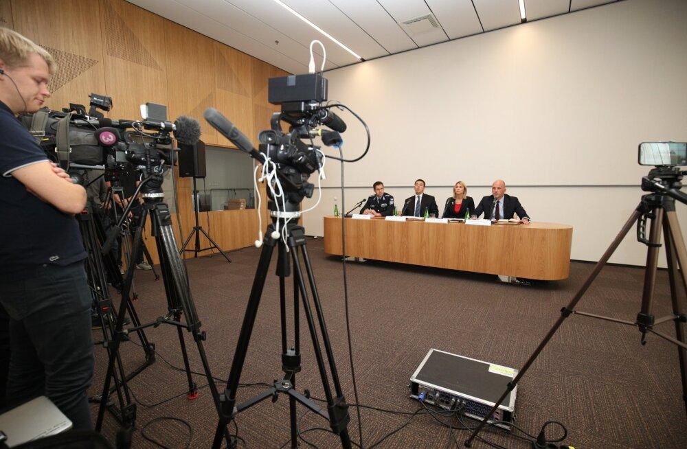 ID-kaardi turvalisuse pressikonverents superministeeriumis.