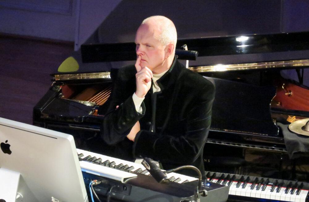 Торопитесь! Всего два незабываемых вечера с культовым композитором Свеном Грюнбергом в Тарту и Таллинне