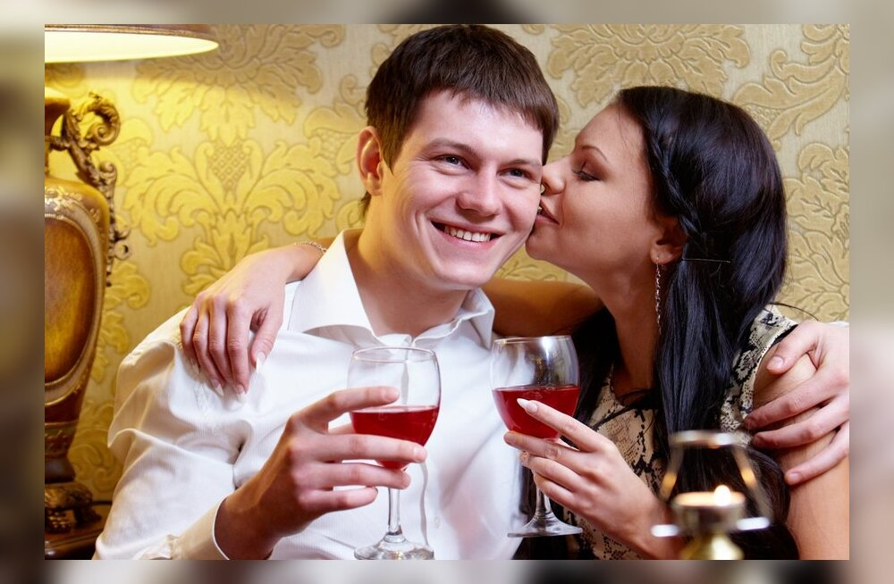 Красивые мужья вызывают у жен пищевые расстройства