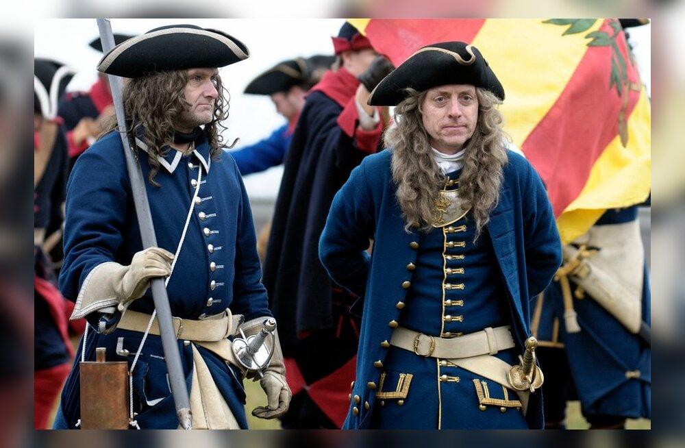 FOTOD: Narvas mängiti uuesti läbi Karl XII võit Vene vägede üle