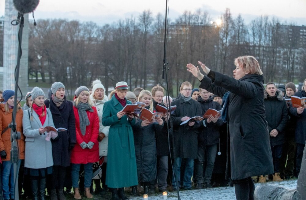 G.Ernesaksa 110. sünniaastapäevale pühendatud ühislaulmine Lauluväljakul