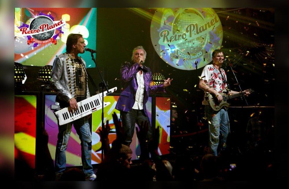RETRO PLANEET – 80-ndate legendaarne disko ansambel JOY Austriast pani club Hollywoodi rõõmust rõkkama!