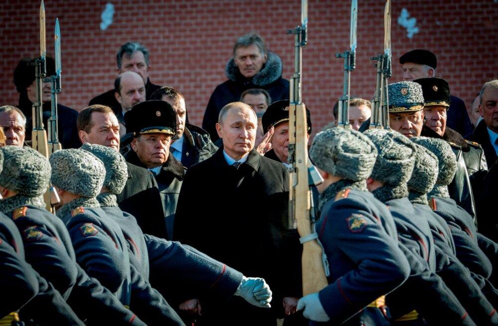 Sõjaline jõud on olnud Vladimir Putinile alati oluline, kuid nüüd pole lemmikutele enam anda nii palju raha kui varem.
