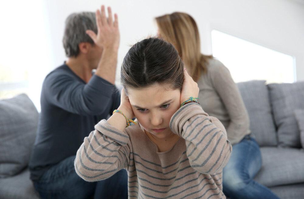 Vanemate tülitsev käitumine kahjustab lapse emotsionaalset tervist