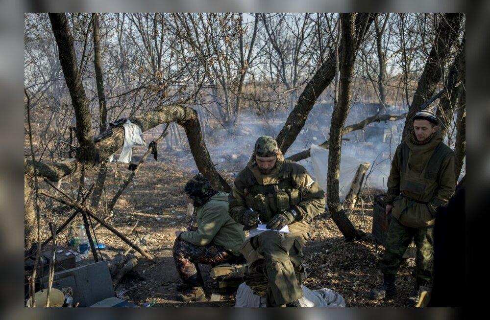 Mässulised tulistasid Ukraina jõude öösel 15 korral