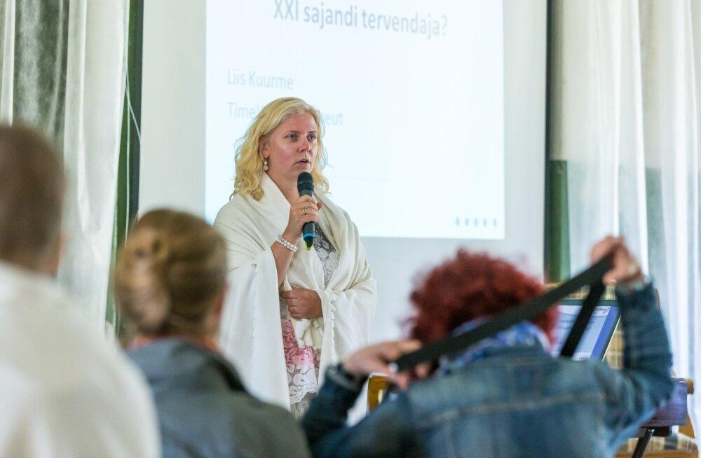 TimeWaveri esindaja Liis Kuurme pidas Kirna mõisa saalis ligi 50 kuulajale ettekande, milles veenis, et erinevalt tavameditsiinist aitab TimeWaver alati ja peaaegu kõigi haiguste vastu.