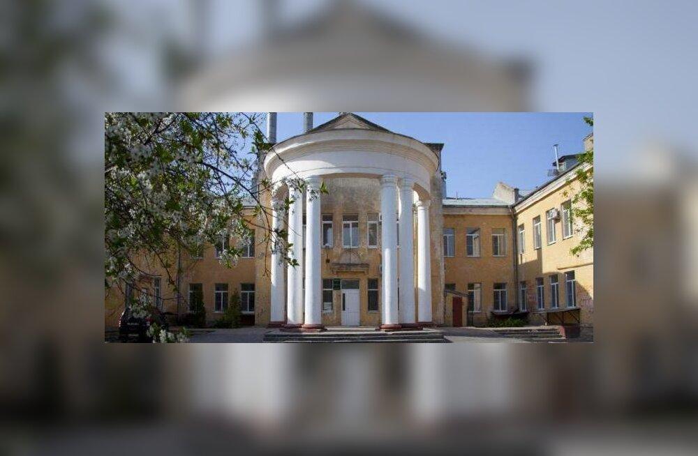 Vene abielupaarile öeldi, et nende vastsündinu on surnud, ent tegelikult konutas laps pea seitse aastat lastekodus