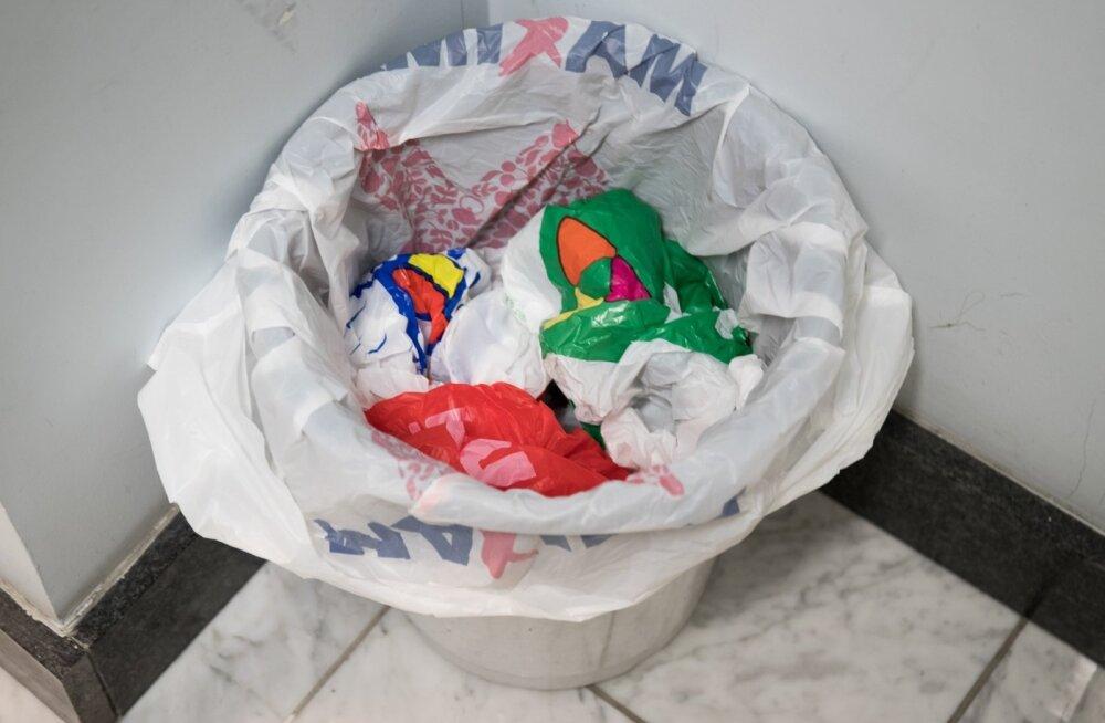 Pärast poeskäiku ei olegi kilekotiga enam eriti midagi teha. See visatakse ära või kogutakse sinna prügi.