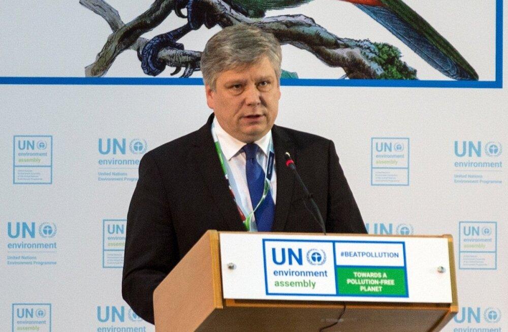 Kiisler käis isiklikult Nairobis ÜRO keskkonnaassamblee presidendi ametikohta vastu võtmas.