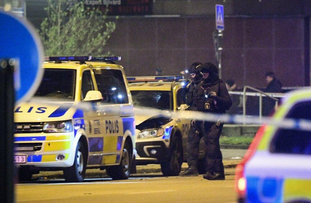 Malmös lasti õhku politseiauto, kahtlusalune võeti vahi alla