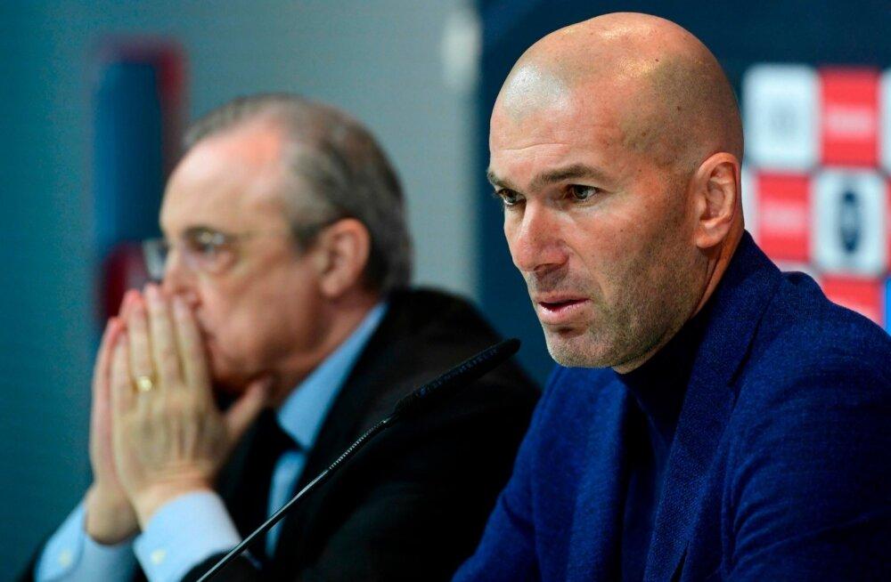 Zinedine Zidane pressikonverentsil