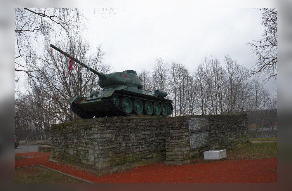 Mind häirib tank, mille toru on suunatud Eestimaa poole
