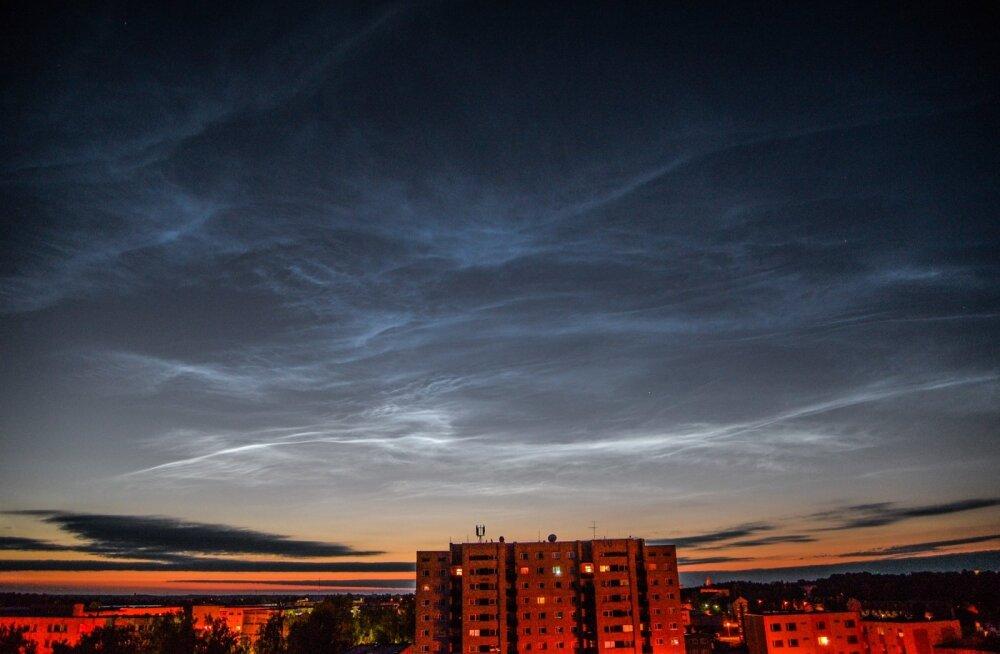 FOTOD | Täna öösel olid helkivad ööpilved eriti hästi näha!