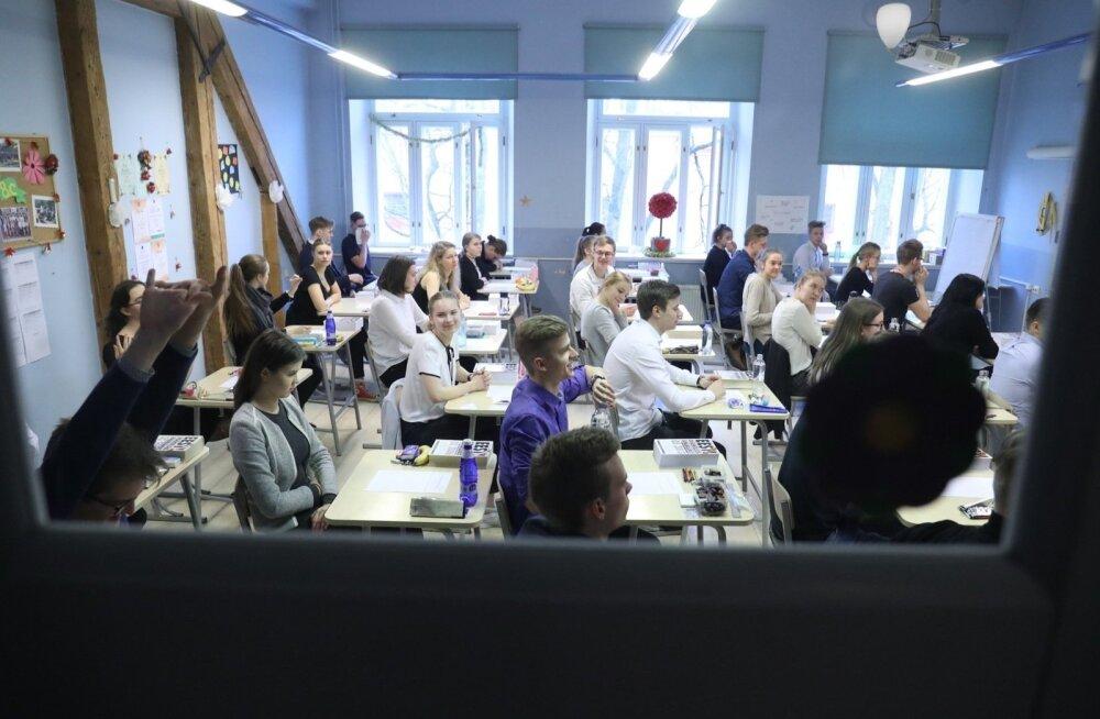 ФОТО: Старт дан! В Эстонии начался период госэкзаменов