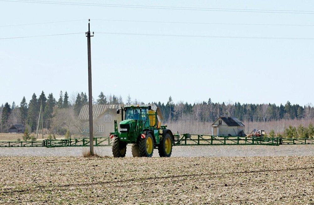 Muutuvad taimekaitsetööde ohutusnõuded kohustavad hoiatussilte paigaldama