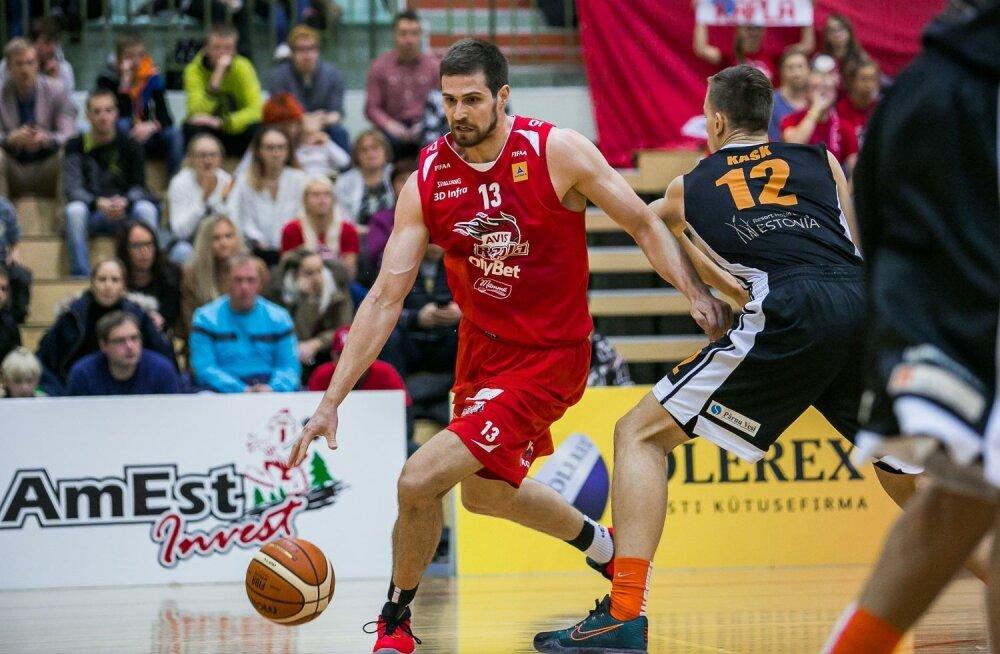 Domagoj Bubalo mängimas AVIS Rapla eest