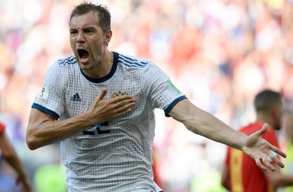 """""""Miks on ta käe peal süstlajälg?"""" Saksa meedia ei usu Vene jalgpallurite puhtusesse"""