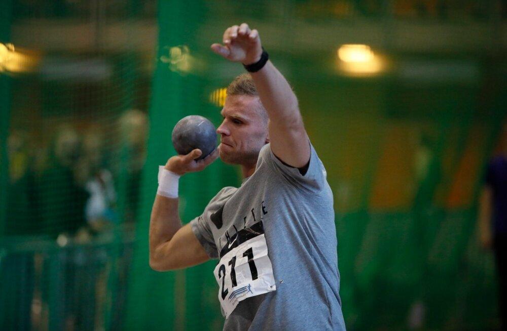 Karl Robert Saluri nihutas kuulitõukes isikliku rekordi 14.60-ni.