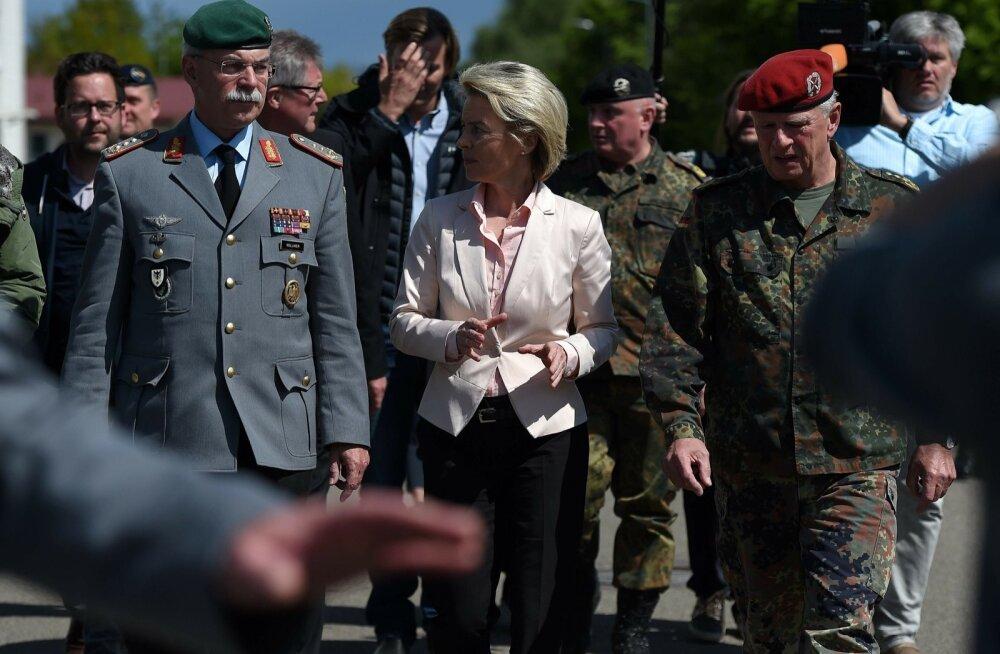 Kaitseminister Ursula von der Leyen külastas läinud nädalal skandaalset jäägripataljoni ja lubas neonatsid Bundeswehrist välja lüüa.