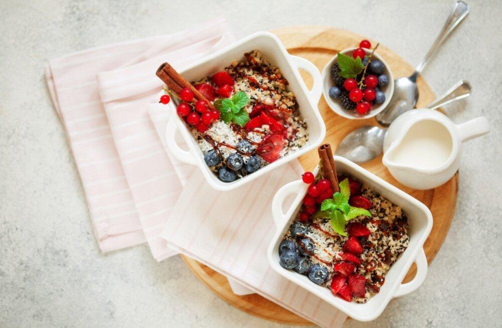 RETSEPT | Midagi pudrugurmaanidele: gluteenivaba kinoa puder marjadega